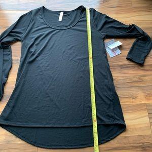 Lularoe Lynnae long sleeve shirt S